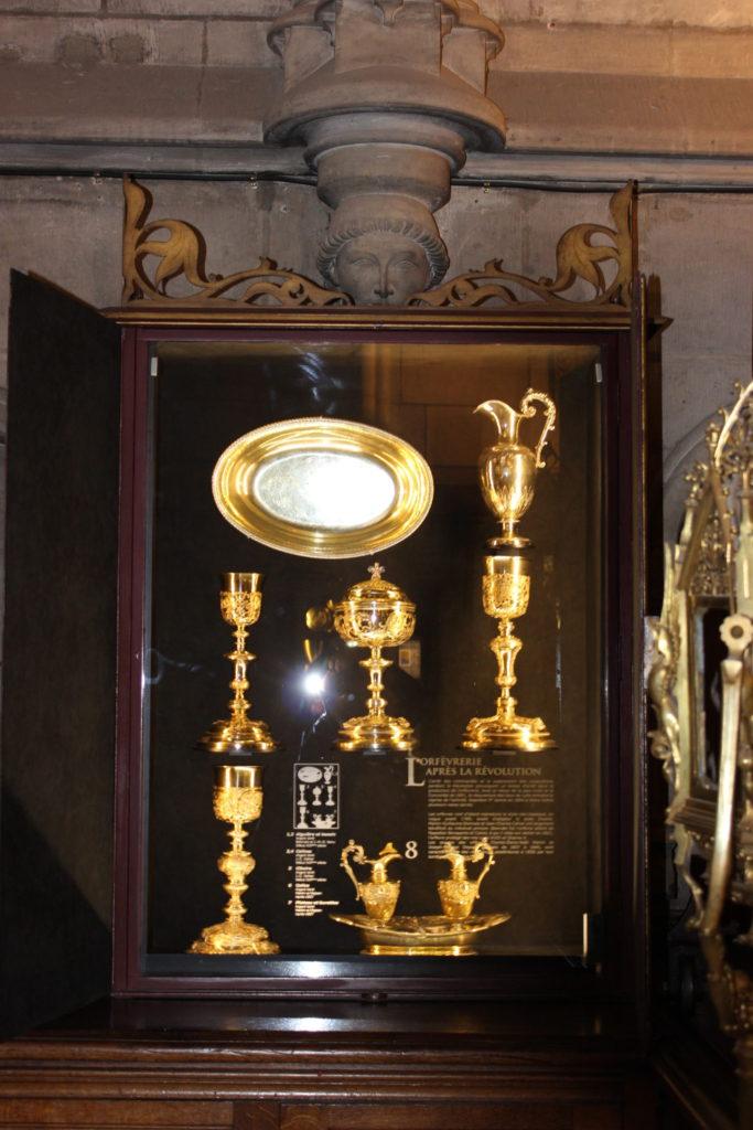 vitrine d'exposition objet d'art
